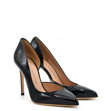 Load image into Gallery viewer, Myla. <br> Black patent leather pumps