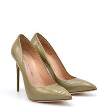 Load image into Gallery viewer, Queen. <br> Stiletto heel platinum patent leather pumps