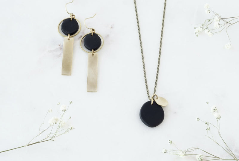 Tinted Shorty Necklace - Black