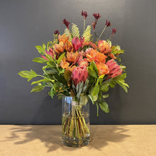 Load image into Gallery viewer, <span>Get yourself a quirky bunch of orange and pink beauties which will delight for days. Our florists design stylistic pieces which are equal only to their </span><span>high quality. The vase is not included and from time to time some flowers may be replaced with fresher, longer lasting, but equally beautiful blooms.</span>