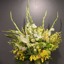 Load image into Gallery viewer, Florist Choice - Citrus Delight