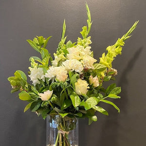 Tall and elegant, this large bunch (pictured) highlight beautiful white stems, with luscious green foliage will not disappoint. Our florists choose only the best flowers at the market and weave them into a stunning piece just for you.