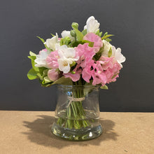 Load image into Gallery viewer, Delicate Sweet pea in a exquisitely beautiful arrangement