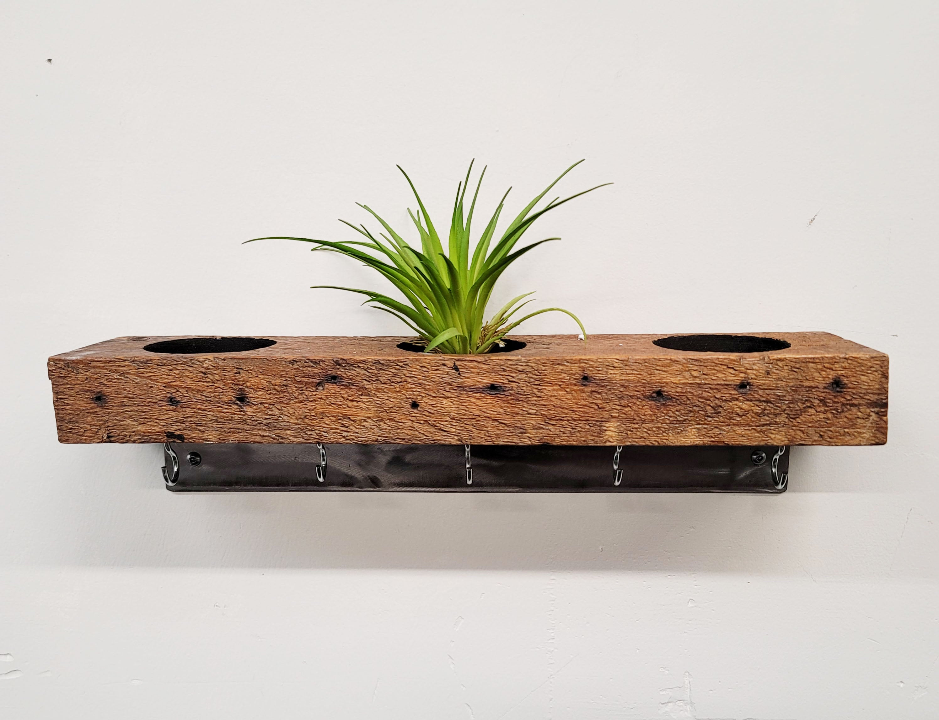 Reclaimed wood planter with hooks