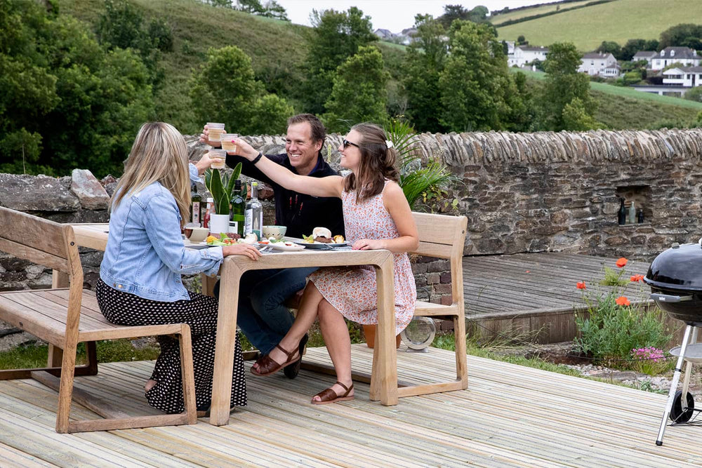 Creating an Outdoor Dining Area in your Garden