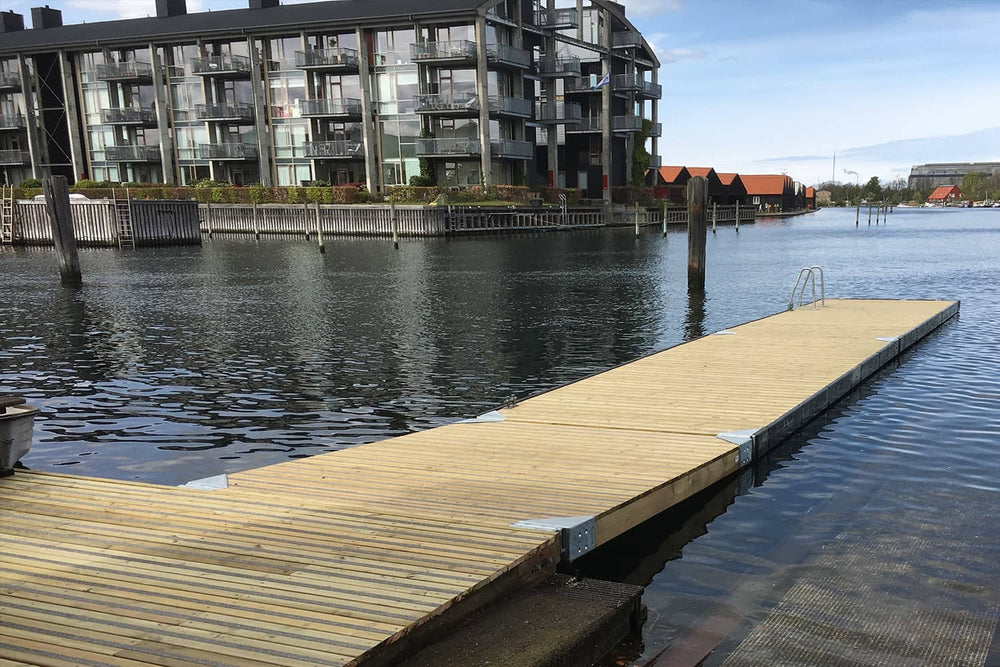 Non-Slip Strip on Pontoon Decking