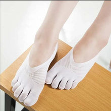 Load image into Gallery viewer, Quick Dry Ultra-Flexy Mesh Socks 1668 White