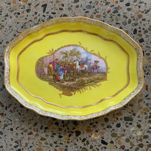 GP0134 18th Century German Meissen Yellow Platter