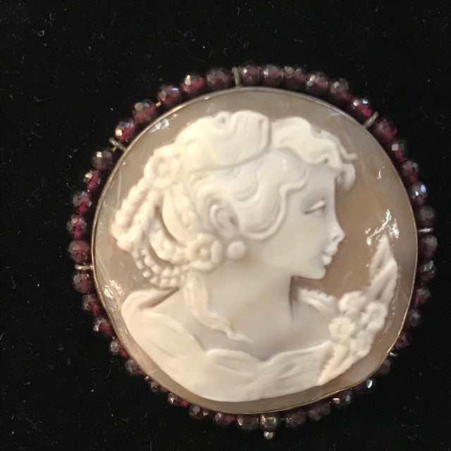 JB0168 Sterling Signed Cameo Brooch Pendant with Garnets