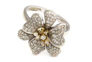 14kt White Gold Diamond Flower Ring