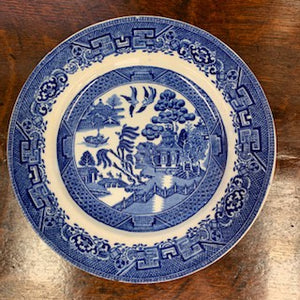 "GP1348 English Blue and White ""Blue Willow "" Pattern Plate"