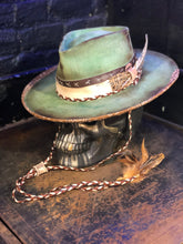 "Load image into Gallery viewer, Vintage Rare Custom hat , ""verde speranza """