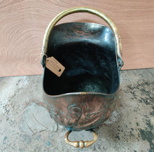 Load image into Gallery viewer, Edwardian Copper Coal Scuttle