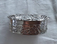 Load image into Gallery viewer, Silver Pot Pourri Box by William Comyns. London 1907