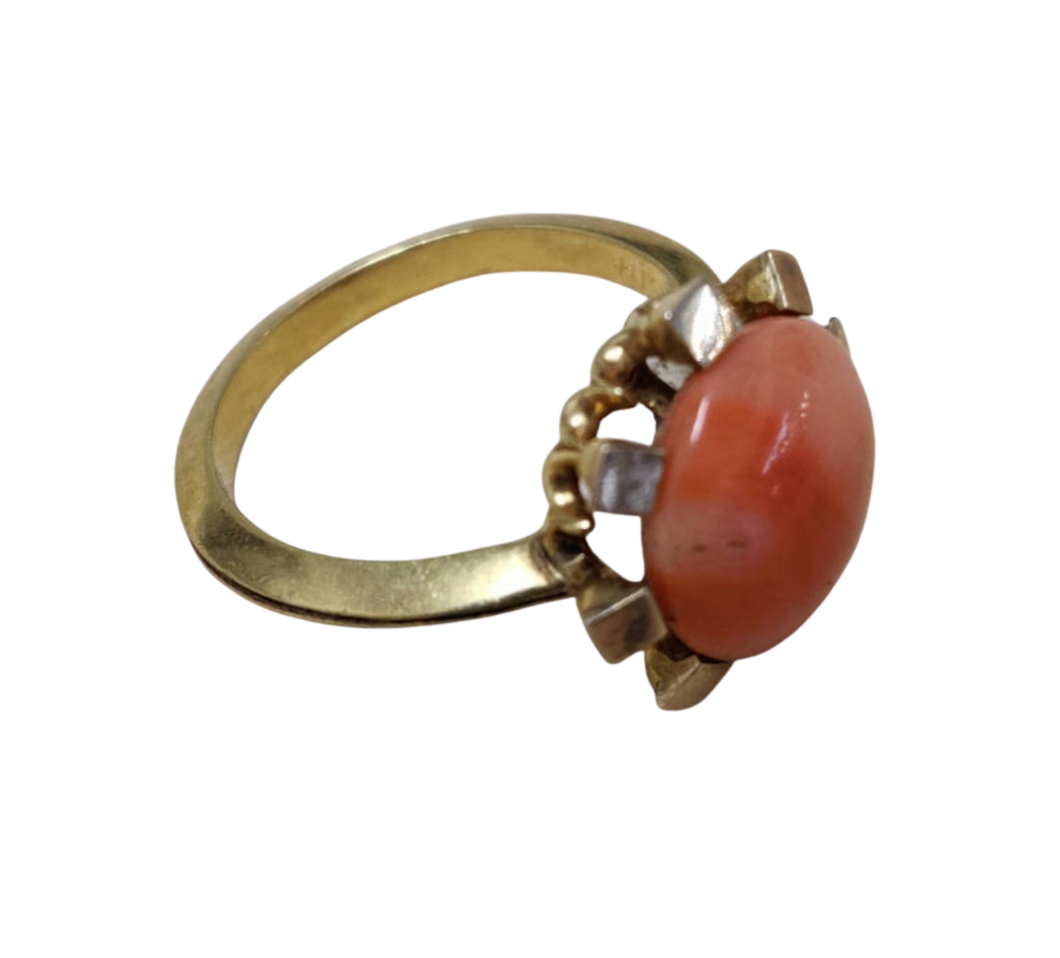 18ct Yellow Gold Coral Ring