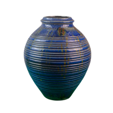 Load image into Gallery viewer, Retro Blue Vase