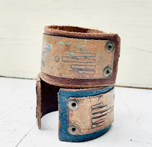 Load image into Gallery viewer, Leather and Etched Copper cuff