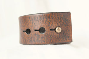leather cuff bracelet with metal horse