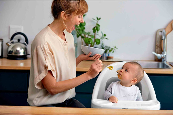 When to feed a teething baby