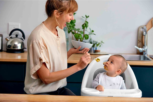 The Mp Guide To Weaning Your Child On To Solid Food