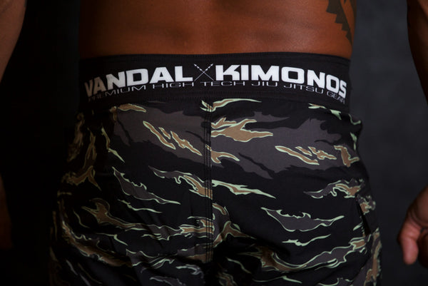 GRAPPLE TECH 2.0 PERFORMANCE SHORT / TIGER CAMO