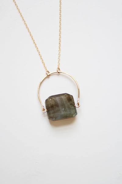 Arch Faceted Labradorite Necklace |  Grey Stone Necklace | Gold Labradorite Necklace | Stone Jewelry | Labradorite Jewelry