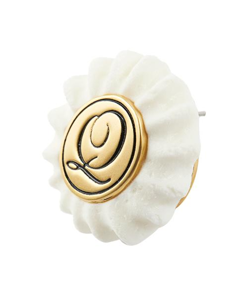 Q Logo Meringue Pierced Earring [White] (1 Piece)