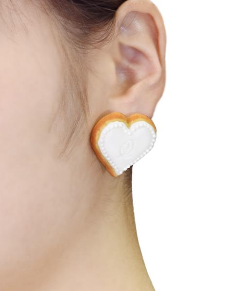 Heart Sugar Cookie Pierced Earring [White] (1 Piece)
