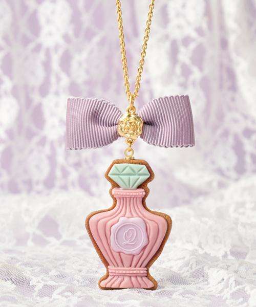 【RE-STOCK】Classic Rose Perfume Sugar Cookie Necklace Pink