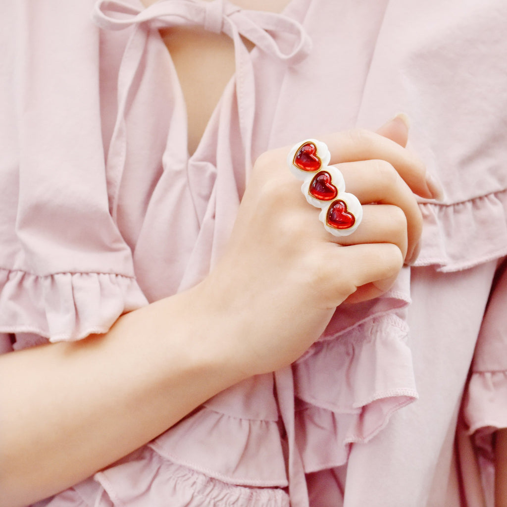 Red Heart Studs× Cream Ring
