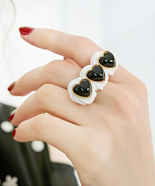 Black Heart Studs×Cream Ring