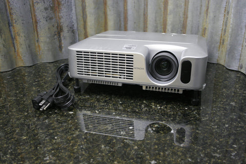 HItachi CP-X250 3LCD Projector Great Condition 730 Lamp Hours Fast Free Shipping