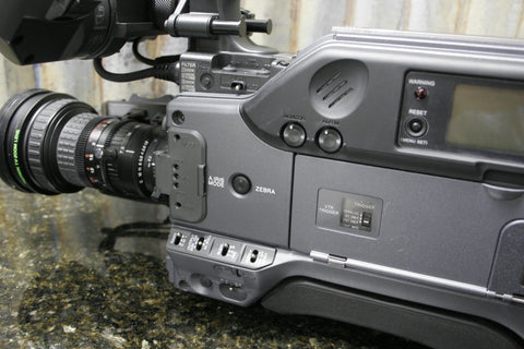 Sony DSR-390 NTSC Broadcast Camera Fujinon Lens Included LOW 170 Total OP Hours