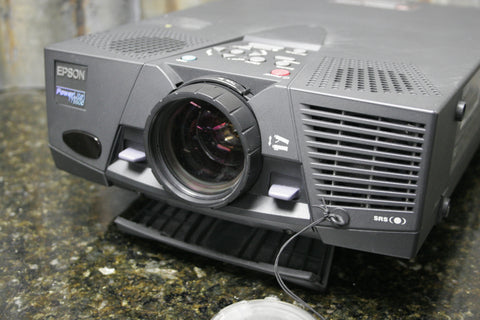 Epson Powerlite 7550C LCD Projector Being Sold For Parts or Repair FREE SHIPPING