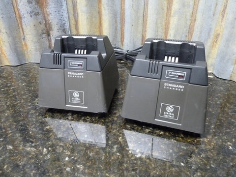 Lot Of 2 GE General Electric Personal Radio Chargers For MA/COM Com-Net Radios 19B801506P11