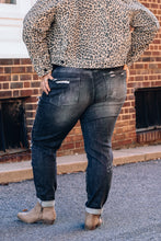 Load image into Gallery viewer, Blk Destroyed Boyfriend JB Jeans