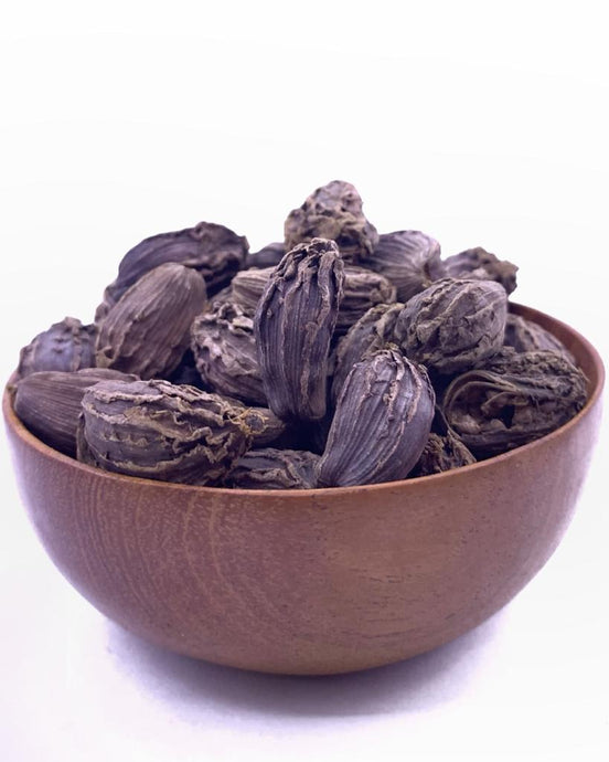 What is Black Cardamom. Its benefits and uses