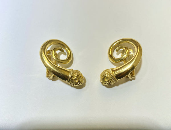 Lalaounis Style Yellow Gold earrings