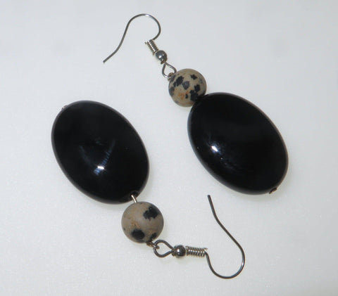 Image of The best black agate earrings are the ones you can wear every day.