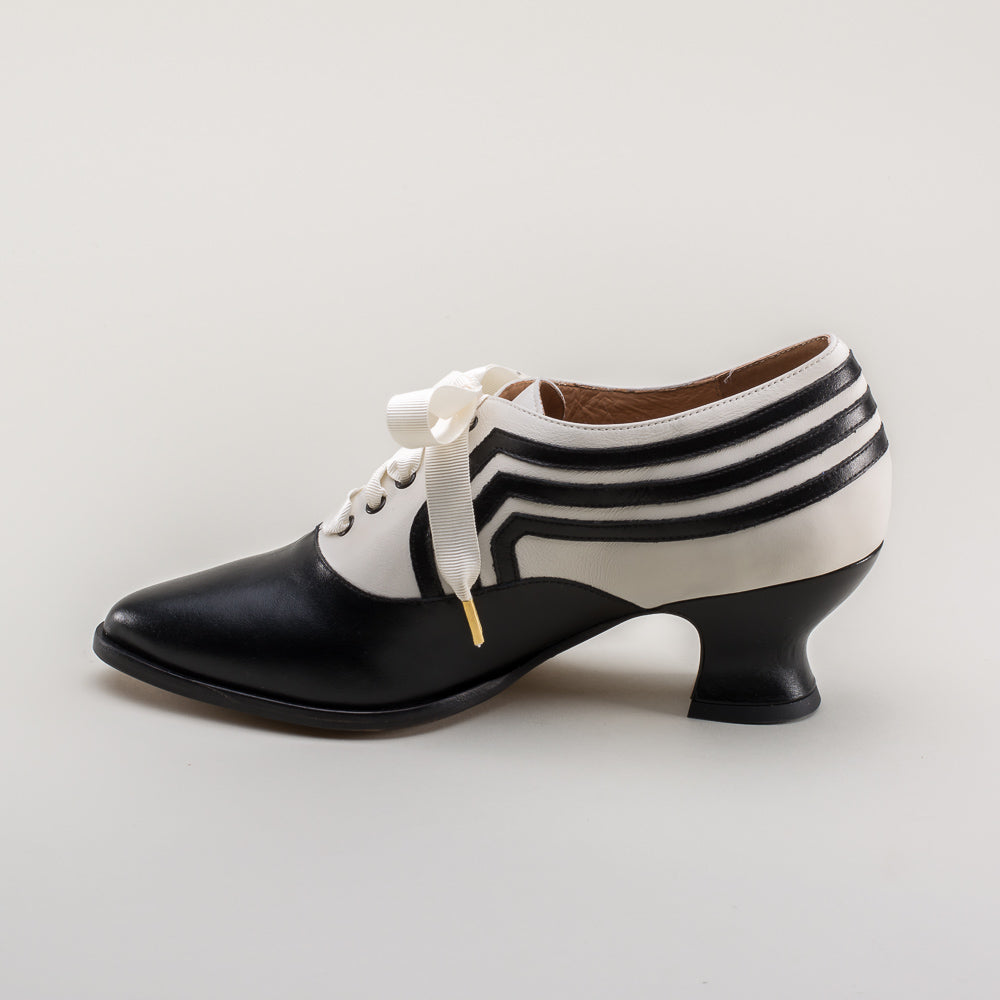 PRE-ORDER Bernadette Edwardian Oxfords (Ivory/Black)(1900-1925)