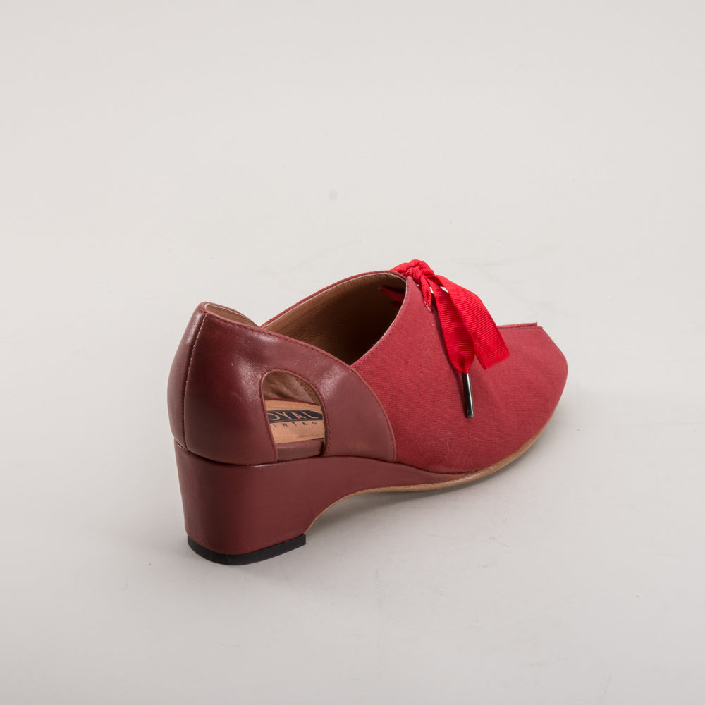 Daphne Retro Wedge Sandals (Red)