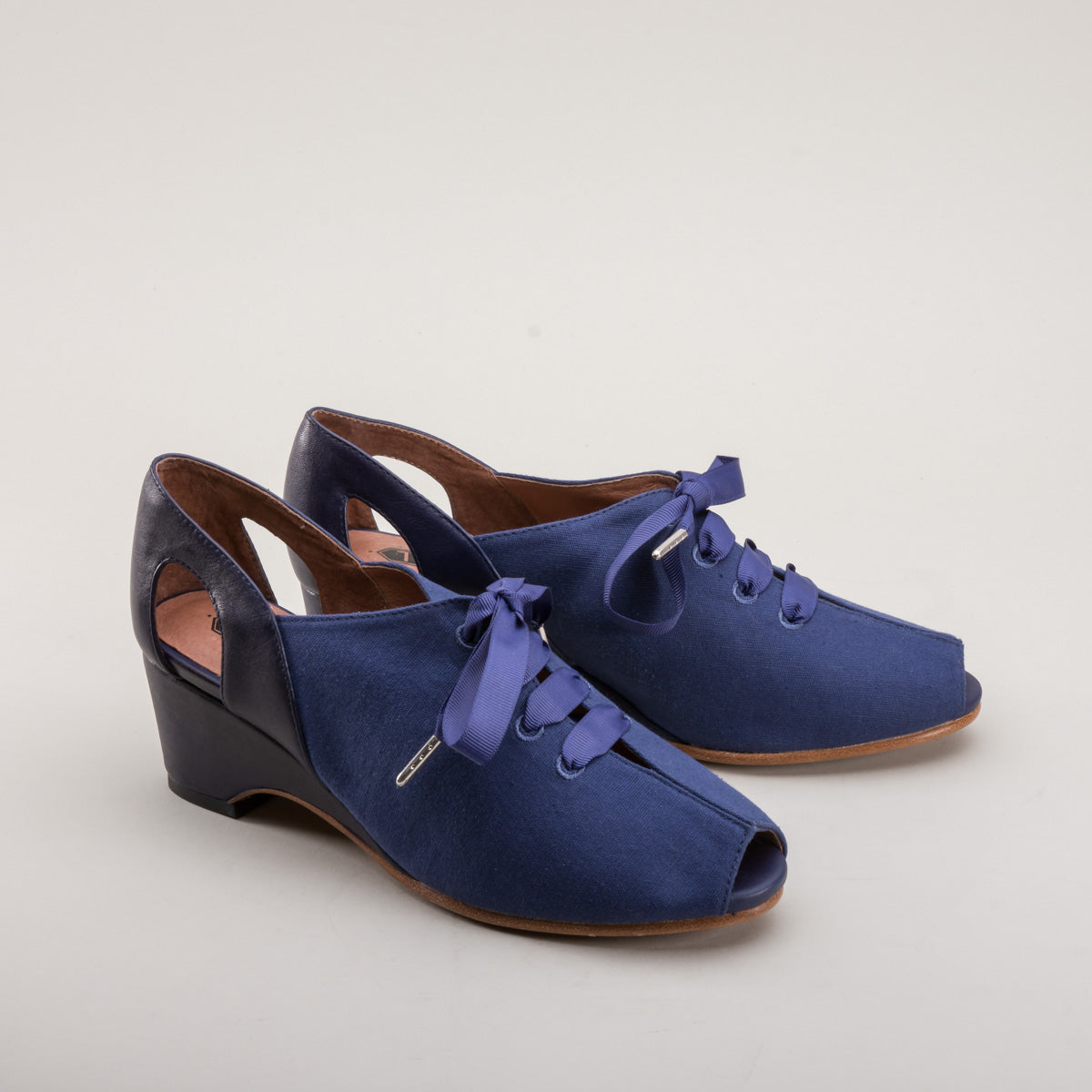 Daphne Retro Wedge Sandals (Navy Blue)