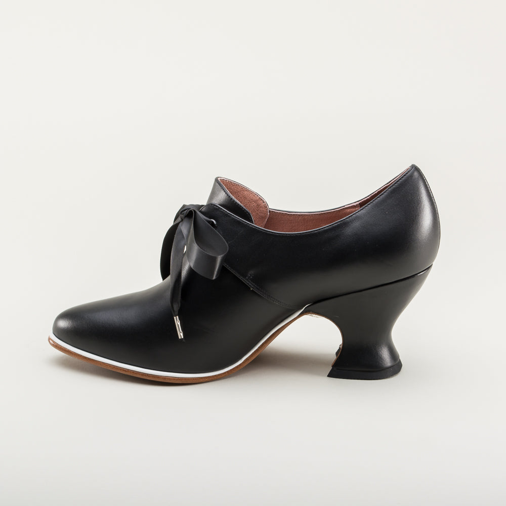 Pompadour Leather 18th Century Shoes (Black)(1680-1760)