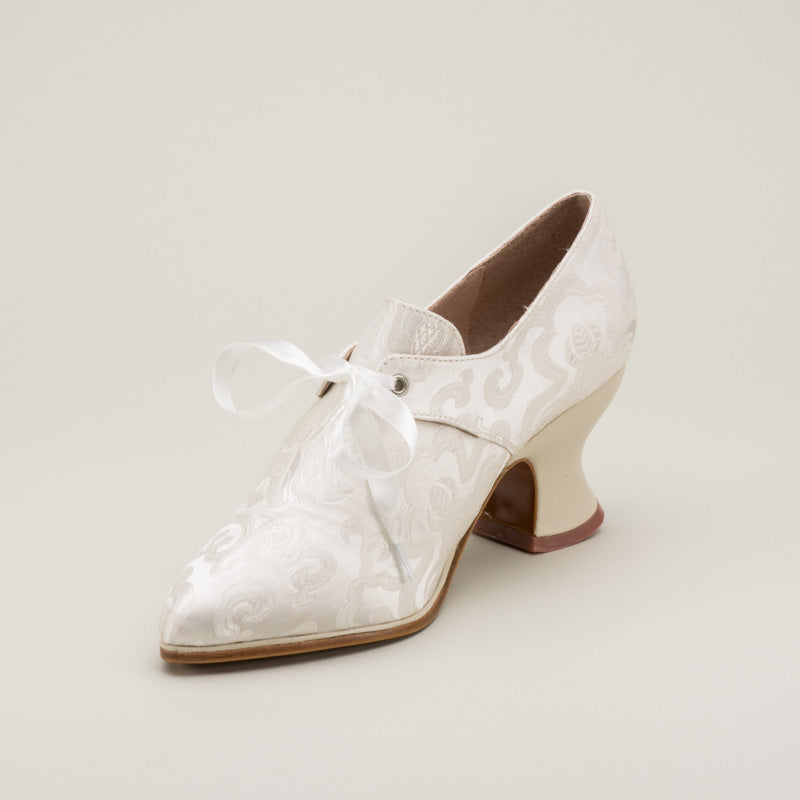 Pompadour French Court Shoes (White)(1680-1760)