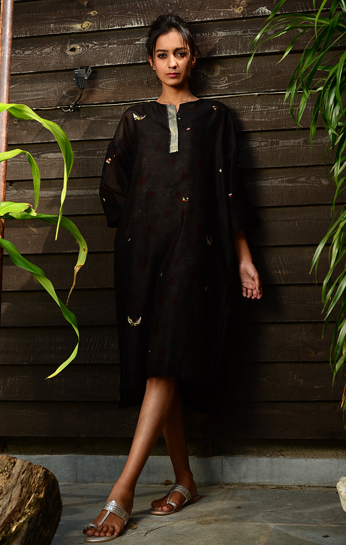 Black Kurta with Pants and floral printed Chanderi slip