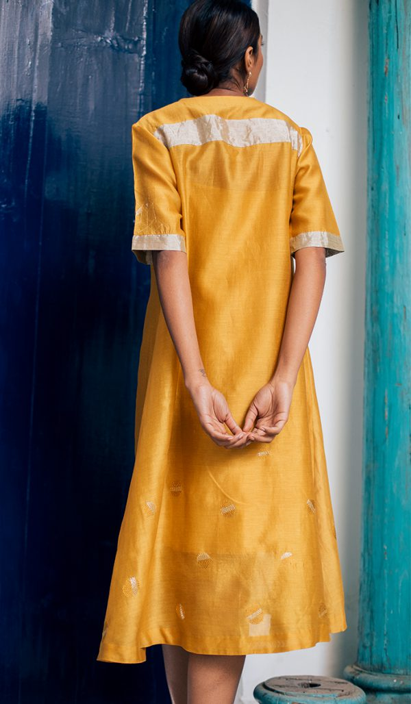 Dress/tunic Front open in Mustard