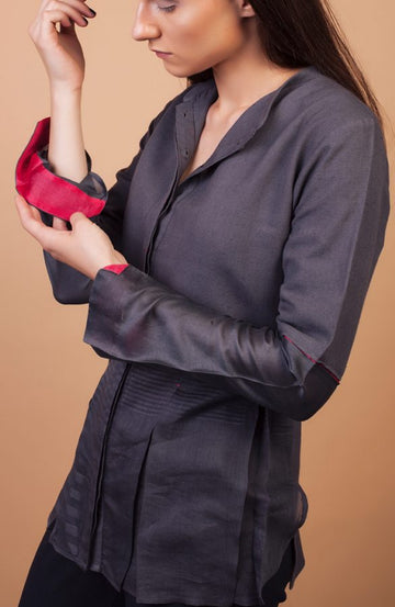 Pleated shirt with concelaed placket
