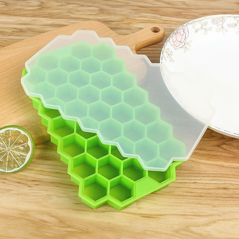 BPA Free Honeycomb Ice Cube Tray 37 Cubes Silicone Ice Cube  With Lids For Ice Cream Party Whiskey Cocktail Cold Drink
