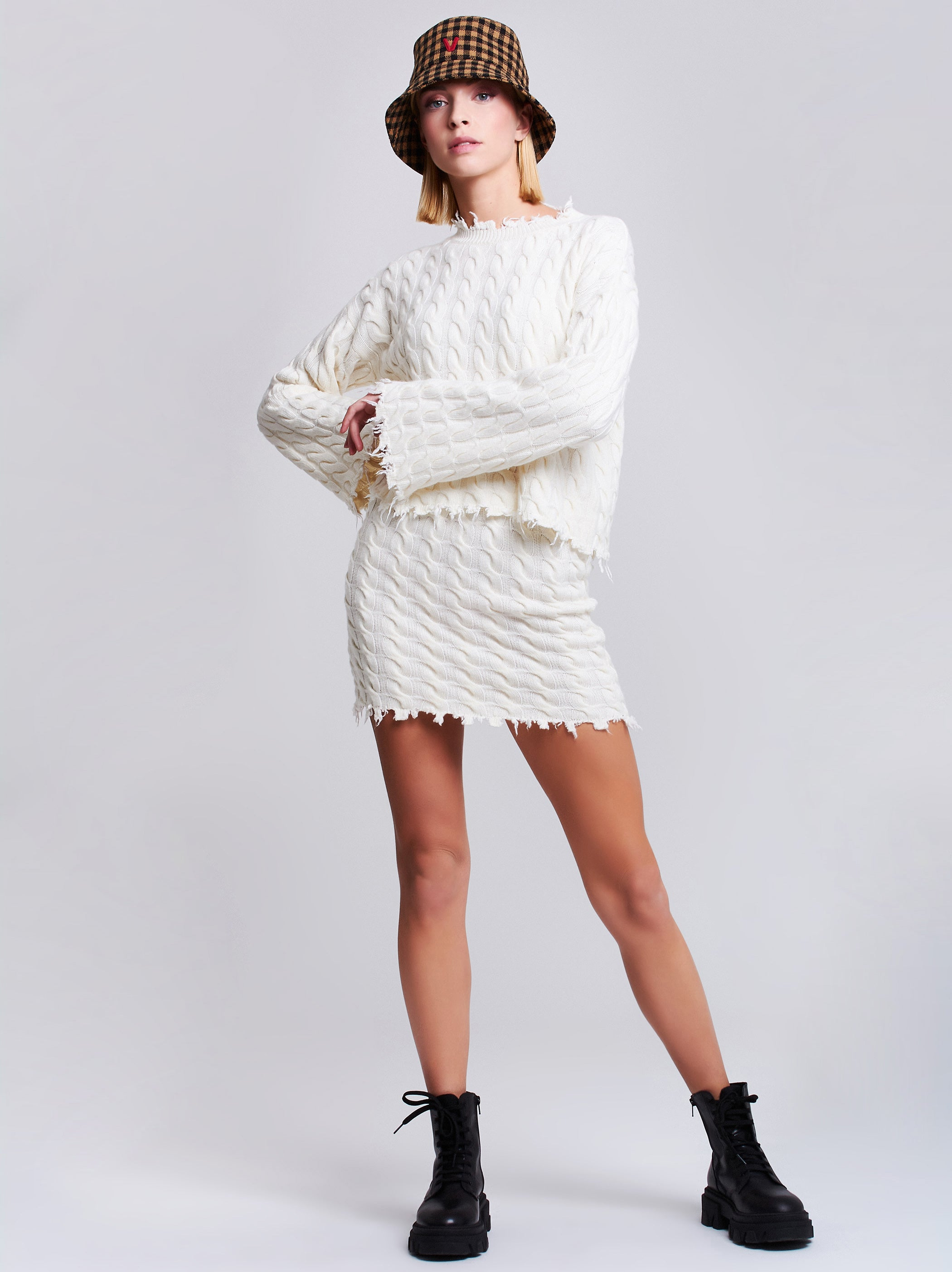 Cable-knit crop sweater