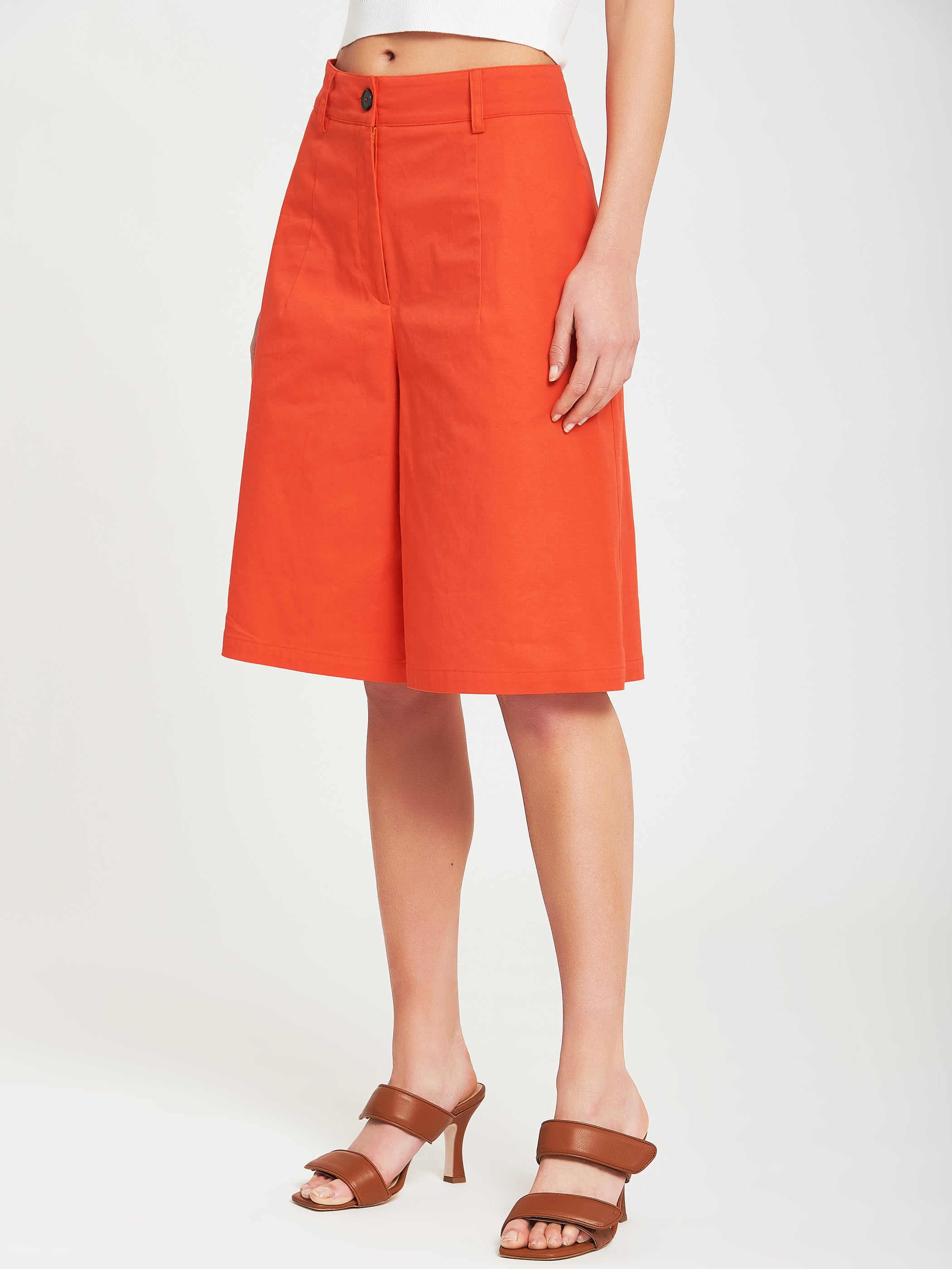 Textured bermuda shorts